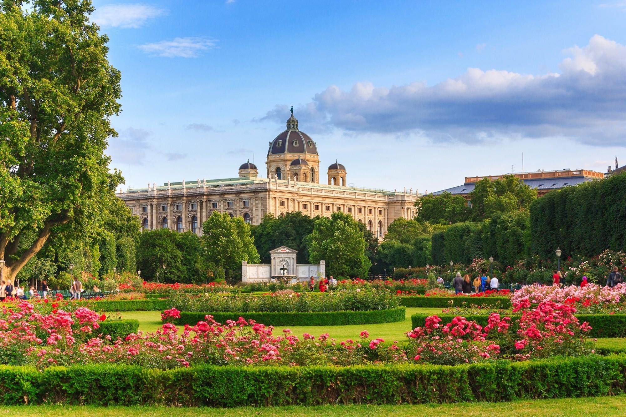 Park-in-Vienna-Austria-horisontal