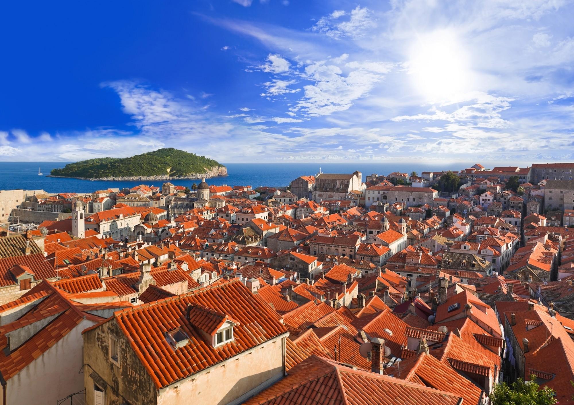 Town-Dubrovnik-in-Croatia-at-sunset
