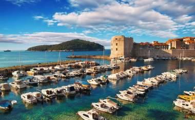 Dubrovnik-old-town-pier
