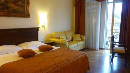 Agava-bedroom-balcony