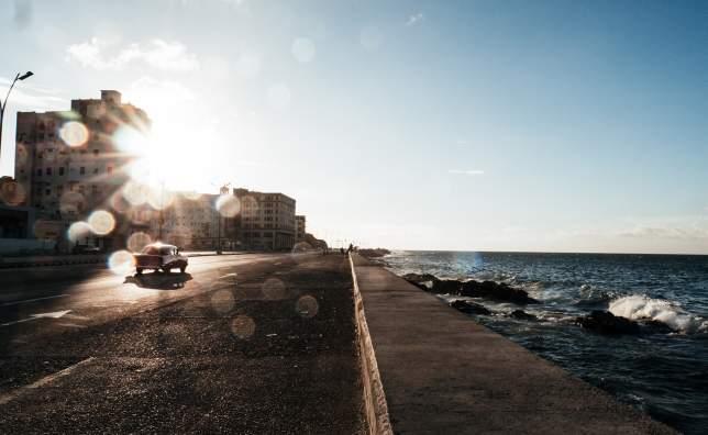 Malecon Havana flo p af P2 E Eotwv I unsplash