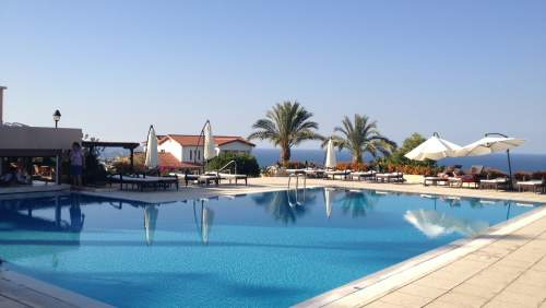 Onar Village Hotel Outdoor Pool 3