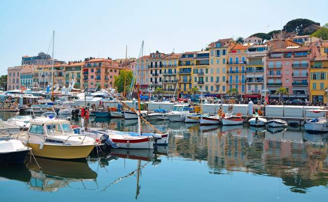 Old-city-and-harbor-in-Cannes-French-Riviera-France