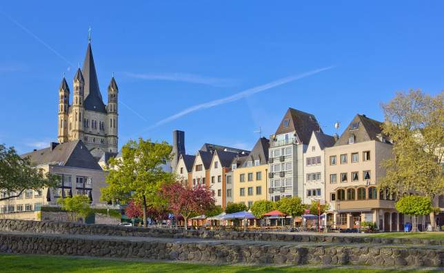 Old-buildings-on-the-Rhine-embankment-in-Cologne-Germany-with-Great-St-Martin-church
