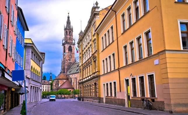 Bolzano-street-view_shutterstock_684490705_xbrchx