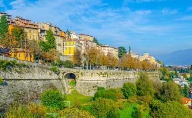 Citta-Alta-in-Bergamo_shutterstock_1069476416_trabantos