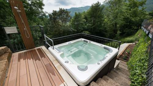 Hotel_Miramonti-jacuzzi-outside