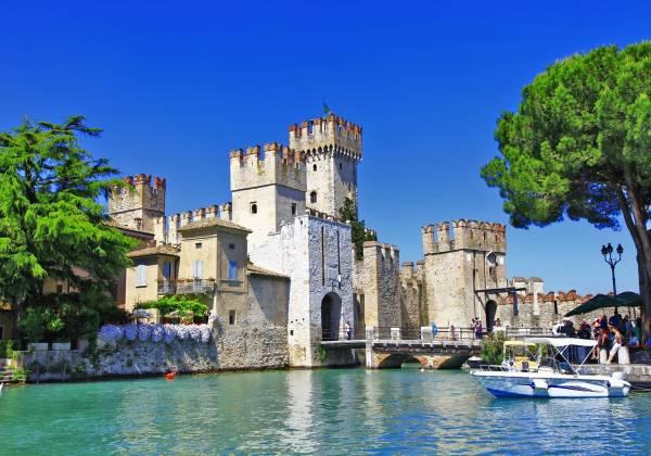 Scenery-of-Italy-series-Sirmione.-Lago-di-Garda
