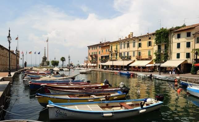 Lazise-boats-Fototeca-ENIT-Gino-Cianci