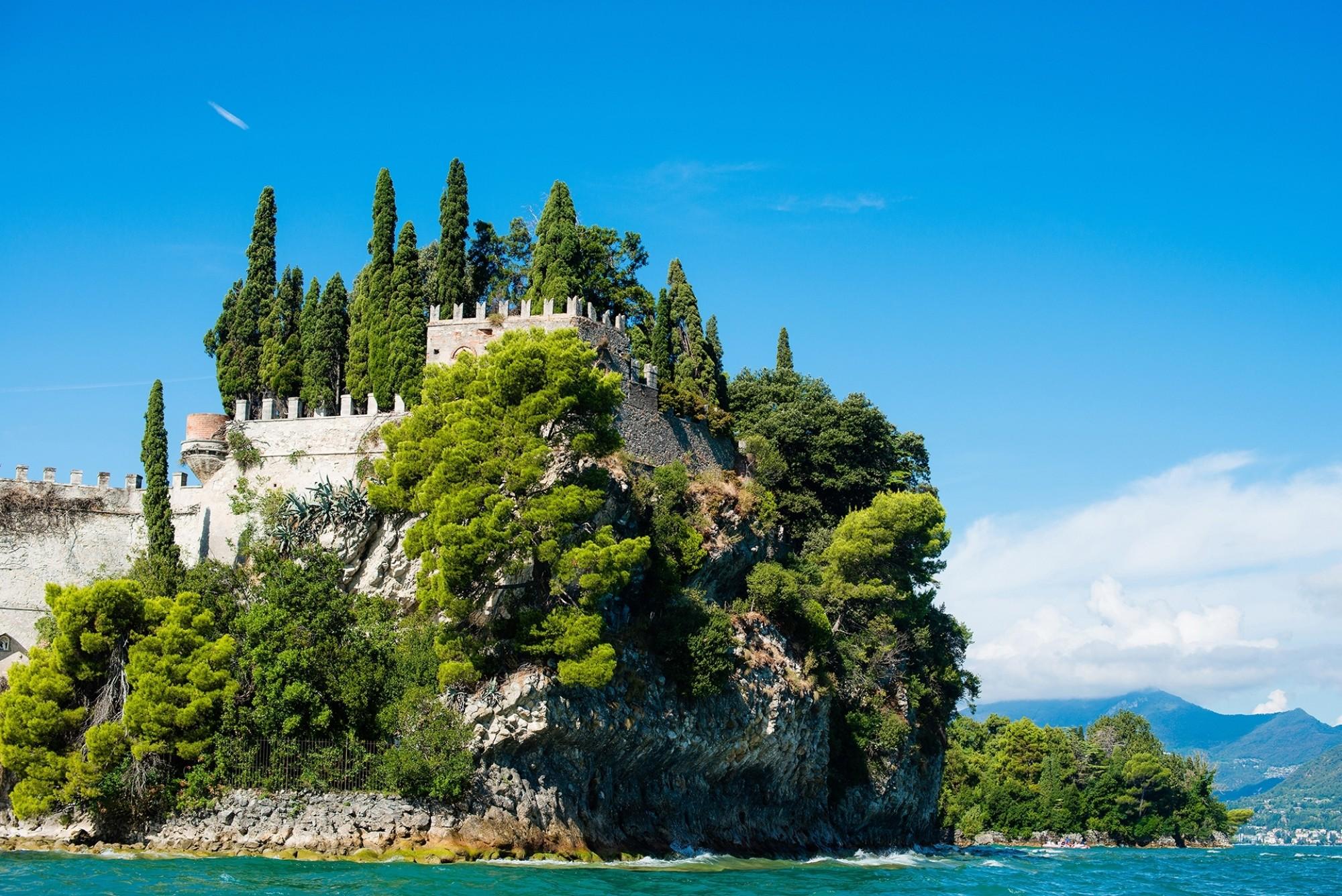 Isola-del-garda-lake-garda-Italy
