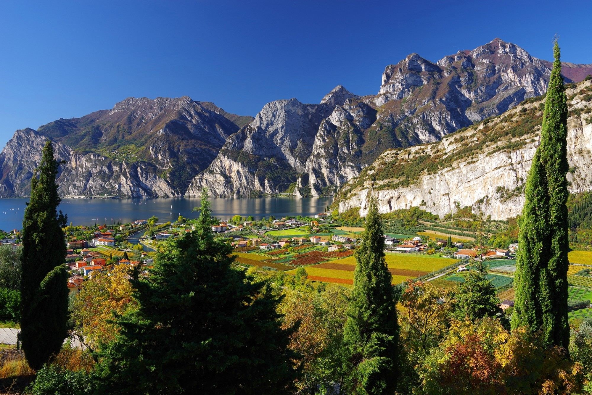 Lake-Garda-from-Riva-del-Garda_shutterstock_751897888_Mikadun