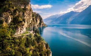 Northern-Lake-Garda_shutterstock_778059301_pointbreak
