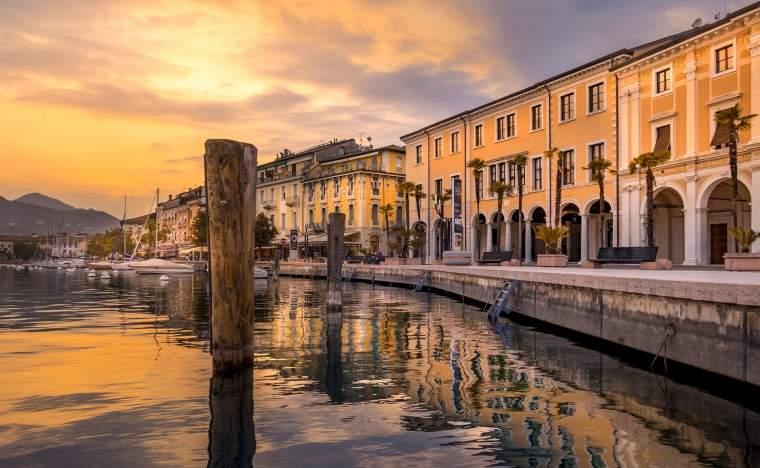 Salo Lake Garda 98834874 123 RF