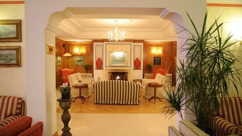 Iseolago-lounge