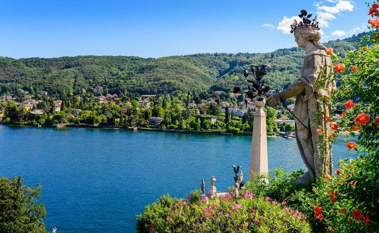 Isola-Bella-is-located-in-the-middle-of-Lake-Maggiore-Italy