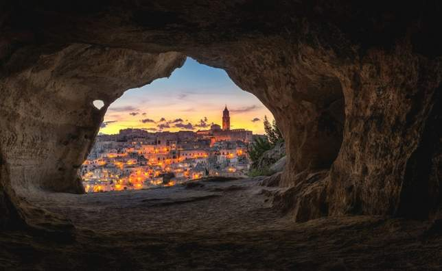 Matera-at-night-thro-cave