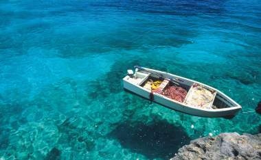 Puglia-sea-and-boat