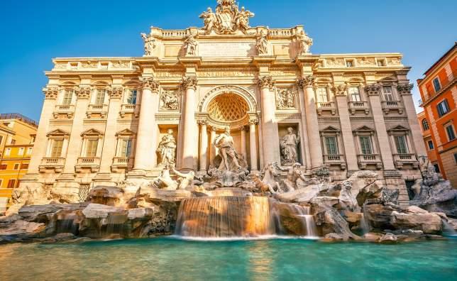 Fountain-di-Trevi-in-Rome-Italy