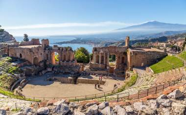 Ruins-of-the-ancient-greek-amphitheater-of-Taormina-Sicily