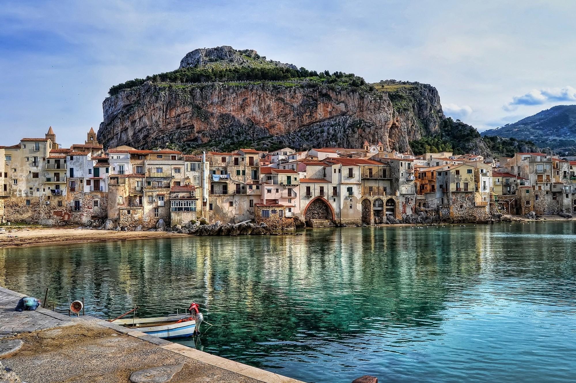 Bay-in-Cefalu-Sicily
