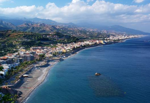 Coast-of-Ionian-sea-in-Eastern-Sicily-Capo-Sant-Alessio