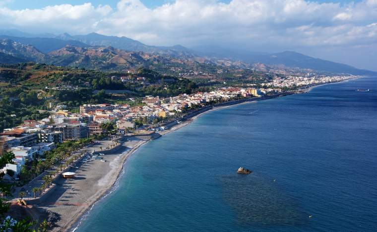 Coast-of-Ionian-sea-in-Eastern-Sicily-Capo-Sant-Alessio