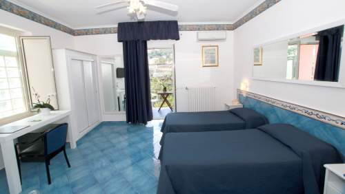 Hotel-Mary-twin-room