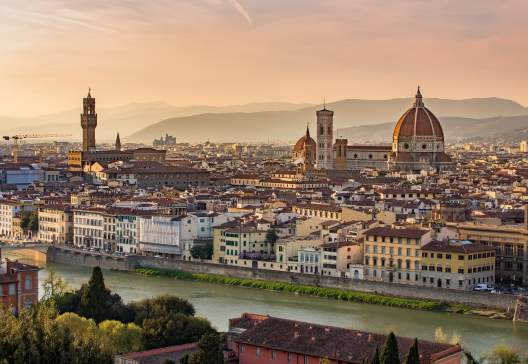 Florence-cityscape-in-Tuscany-Italy