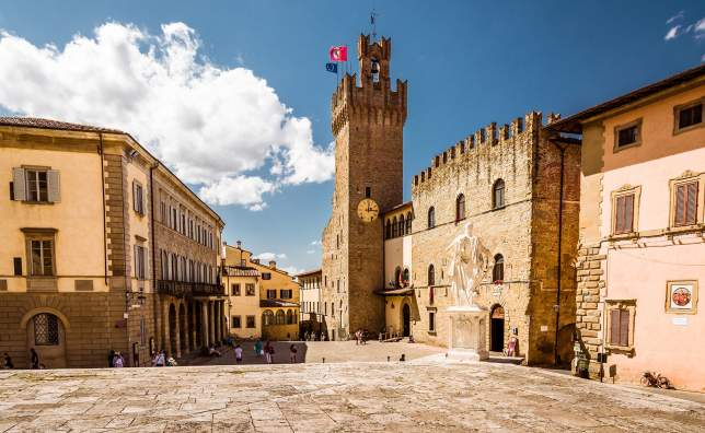 Arezzo_shutterstock_710778016_Evgeni-Fabisuk