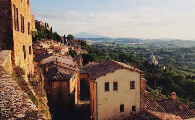 Scenic_montepulciano_tuscany_italy