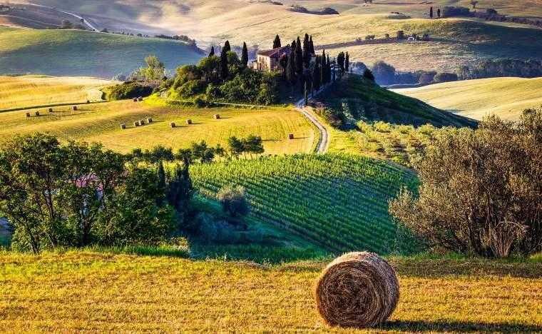Tuscany-Italian-Countryside-landscape