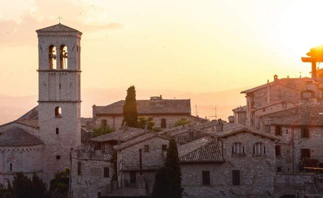 Rooftopsunset_assisi_umbria_italy