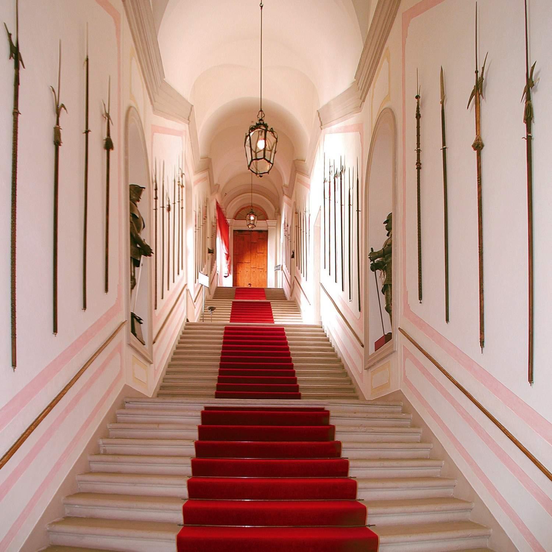 Castel-Brando_A01-Scalone