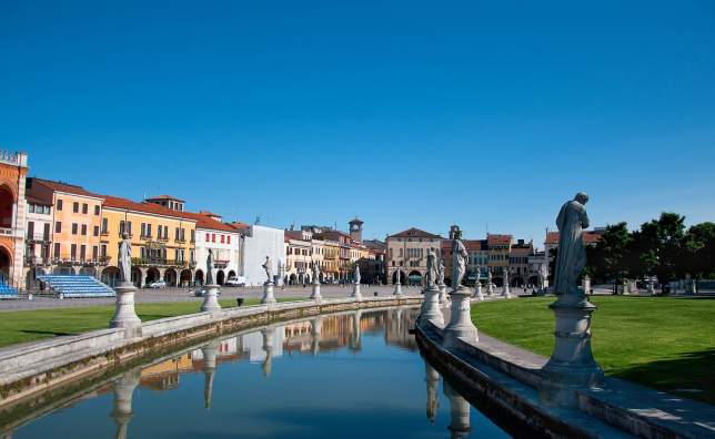 View-of-the-canal-with-statues-on-Prato-della-Valle-in-Padova-Veneto-Italy