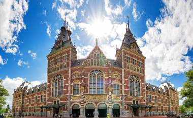 Beautiful-view-on-the-completely-renovated-National-state-museum-in-Amsterdam