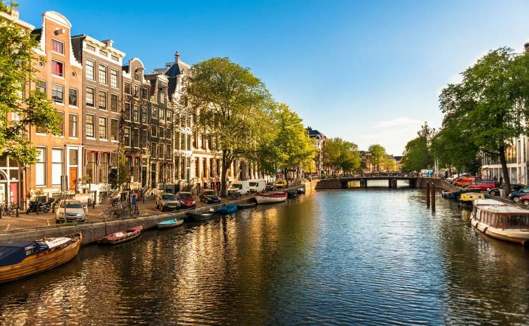 Houses-and-Boats-on-Amsterdam-Canal