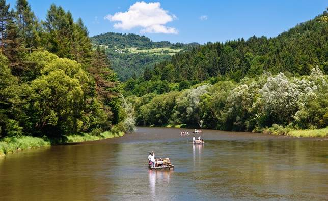 Rafting-on-The-Dunajec-River-shutterstock