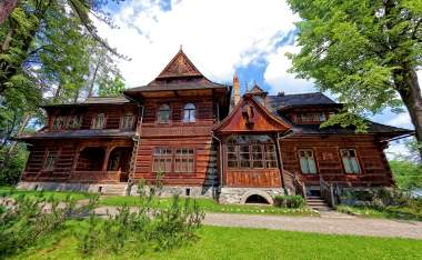 Old-house-in-the-mountain-style-in-Zakopane-Poland-shutterstock