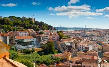 View-over-Baixa-and-Castelo-de-Sao-Jorge-from-Alfama-Lisbon-Portugal