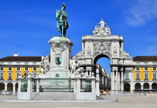 Praca-do-Comercio-Commerce-Square-is-located-near-Tagus-River-in-Lisbon