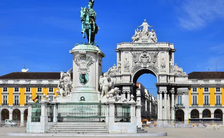 Praca-do-Comercio-Commerce-Square-is-located-near-Tagus-River-in-Lisbon