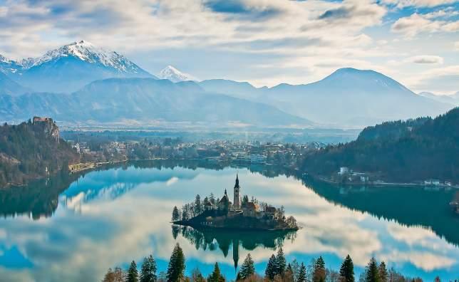 Lake-Bled-2-www.slovenia.info-Franci-Ferjan