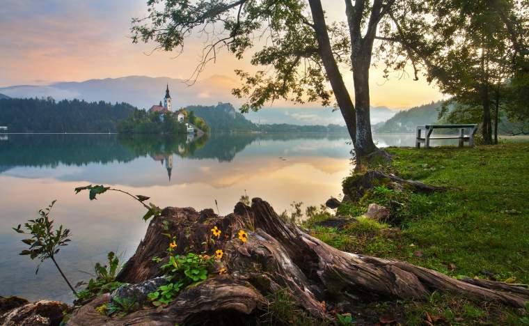 Lake-Bled-2-www.slovenia.info-Jošt-Gantar