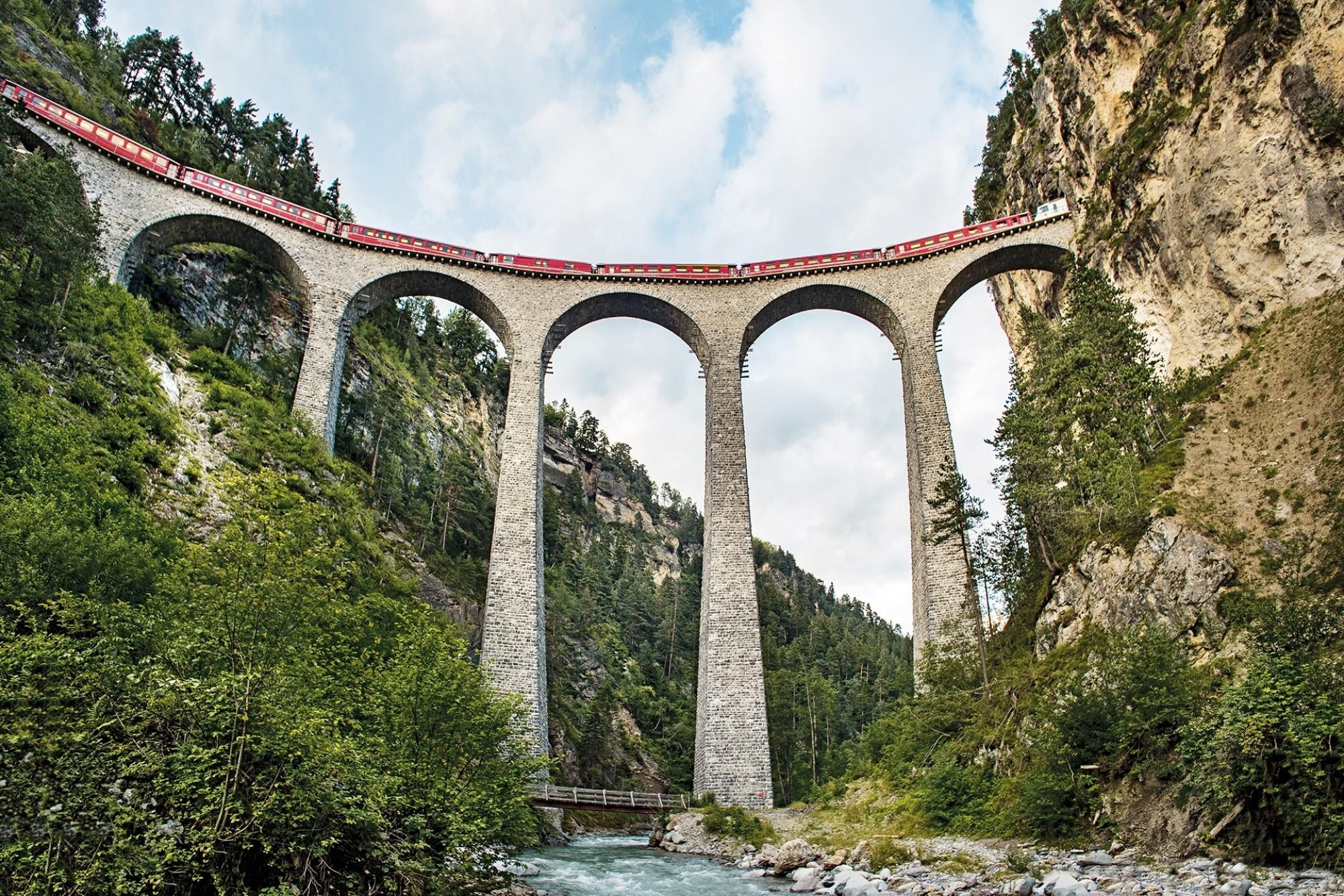 Sts8560 Bernina Express Landwasserviadukt STST STTP Marcus Gyger