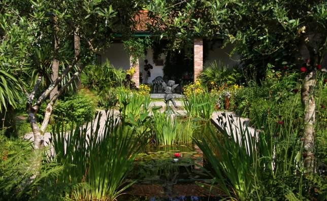 Credit-Lorna-Tremayne-Heligan-Gardens-Ltd