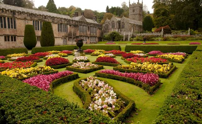 Lanhydrock-House-and-Garden-Bodmin-England