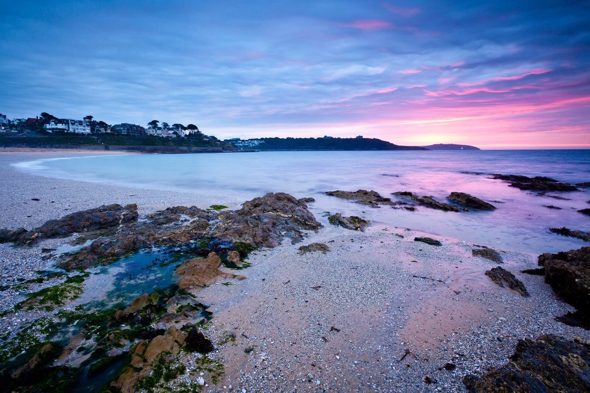 Sunrise-on-Gyllyngvase-Beach-Falmouth-Cornwall-England-UK