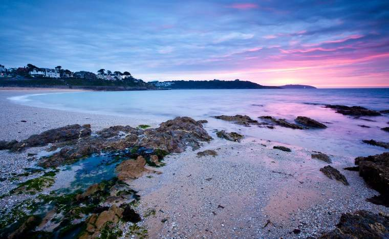 Sunrise-on-Gyllyngvase-Beach-Falmouth-Cornwall-England-UK
