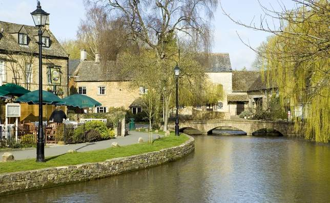 Bourton-on-the-Water- -Visit England-Jameskerr.co.uk