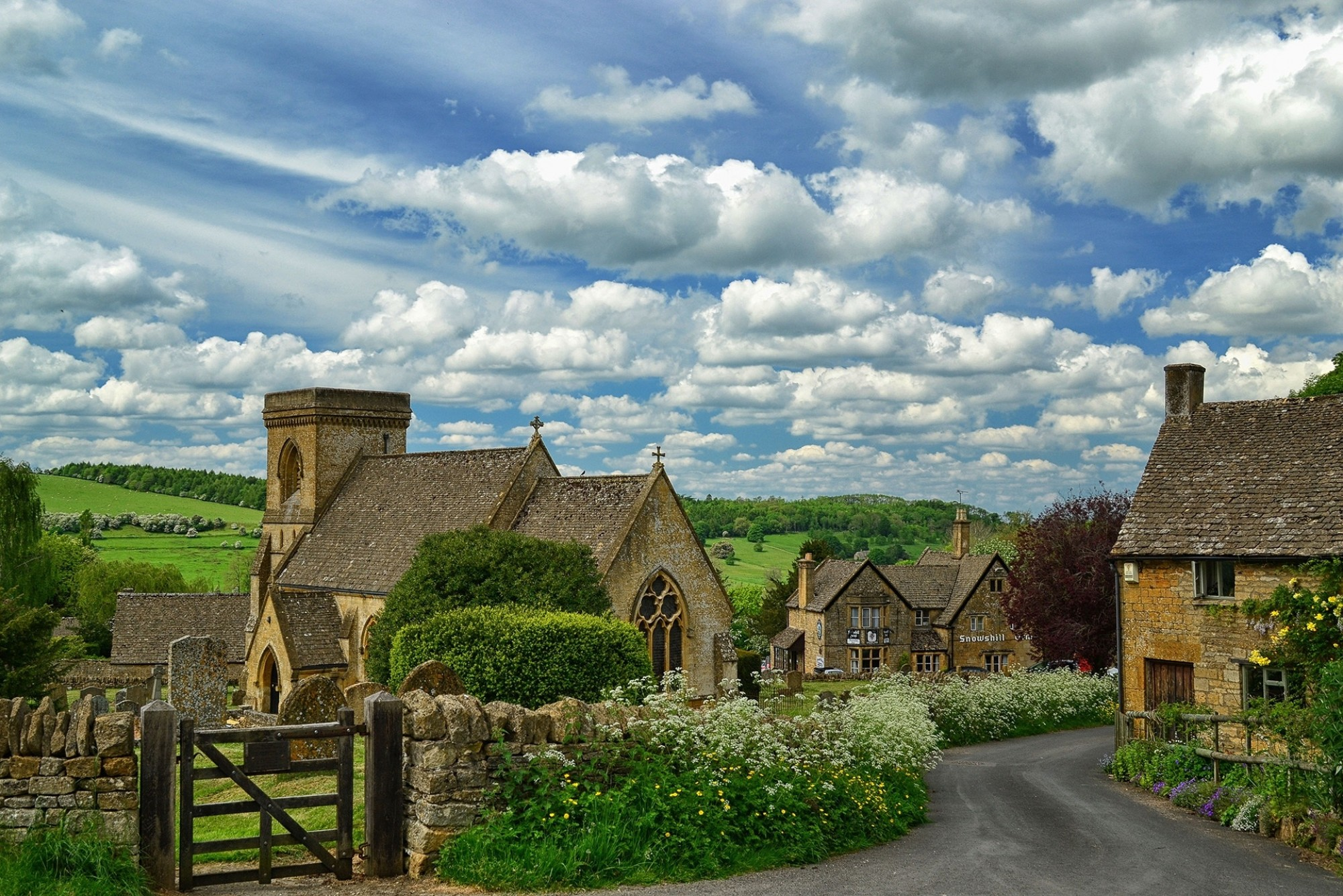 Lazy-afternoon-in-the-Cotswolds